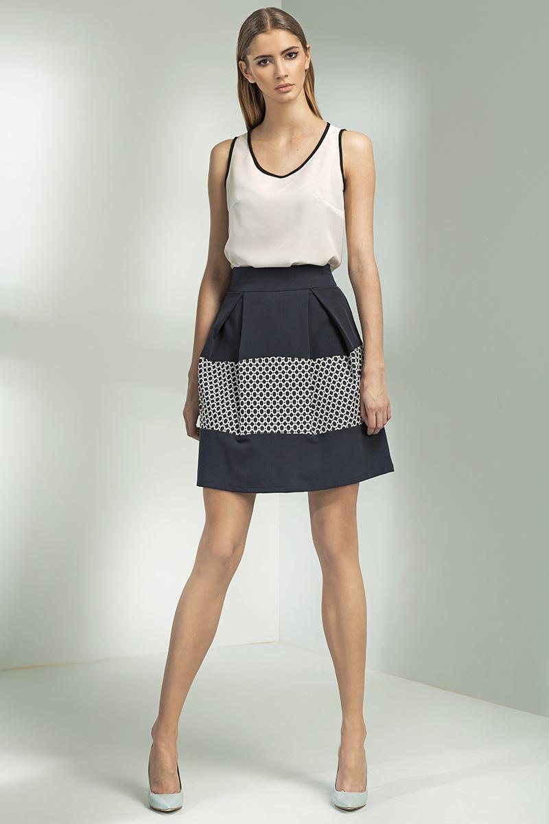 Dámská řasená sukně s ozdobnou vložkou